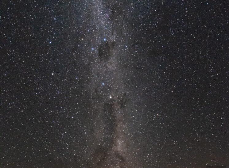 Milchstraße mit Sternschnuppe