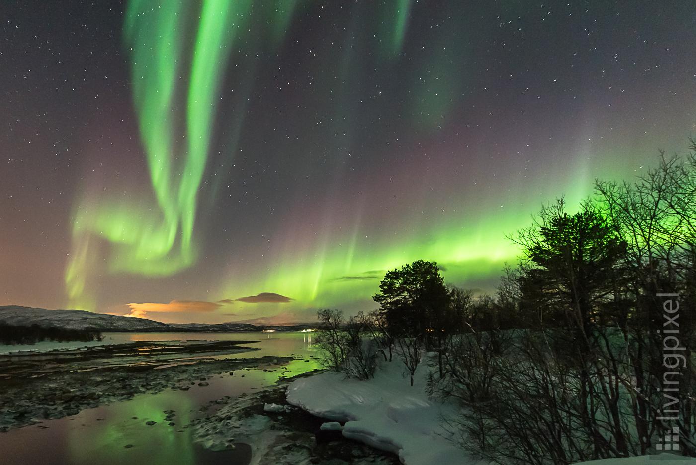Polarlicht, Leuchten über dem Fjord