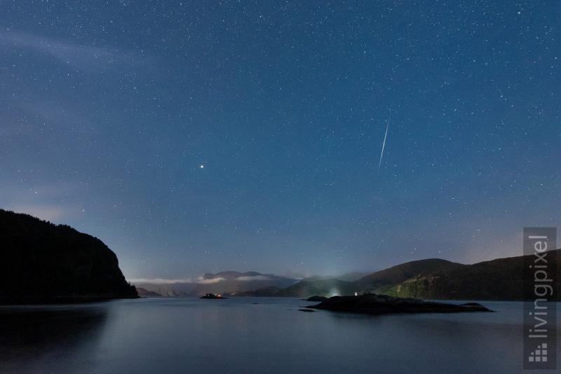 Sternschnuppen über dem Nordfjord